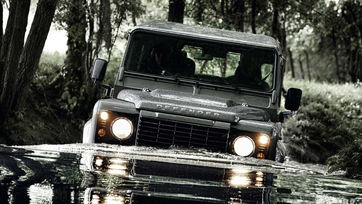 What's the Difference between a Land Rover and a Range Rover?