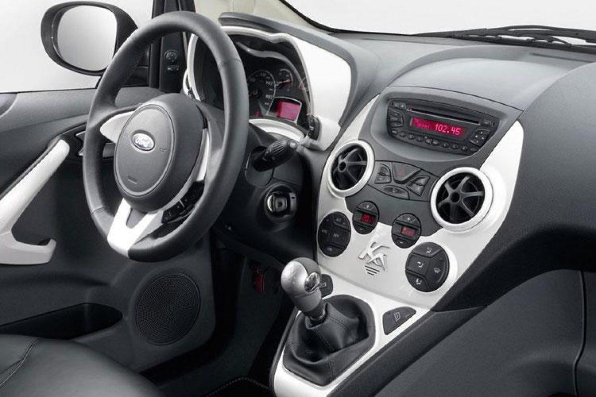 Ford Ka  Door Hatch Titanium   Petrol