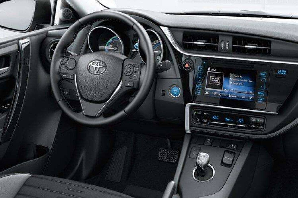 Toyota Auris Touring Sport D 4d Design Tss Nav Leather Panoramic