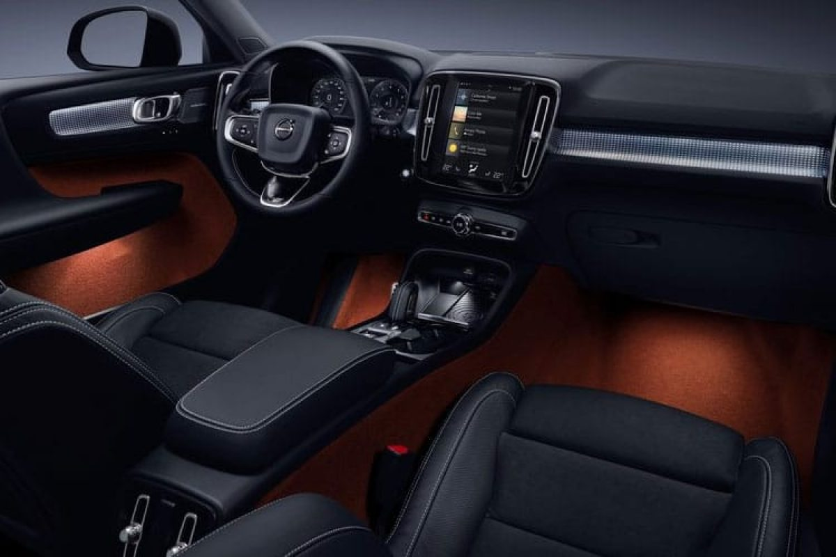 volvo xc40 t3 momentum fwd 2 0 petrol vantage leasing. Black Bedroom Furniture Sets. Home Design Ideas